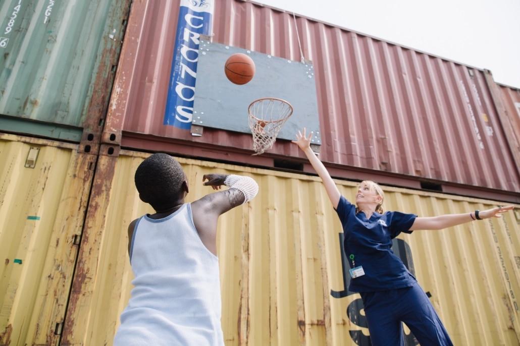Voor Zijn Operatie Kon Paul Niet Basketballen, Maar Daarna Werd Het Al Snel Een Van Zijn Favoriete Revalidatie Oefeningen!